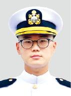 3대째 해군장교…아내따라 해병대 길로…