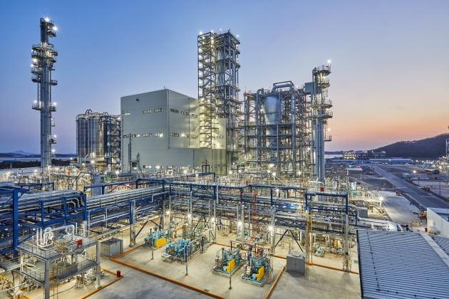 (사진) 한화토탈 대산공장의 폴리프로필렌 생산 설비. /한화토탈 제공