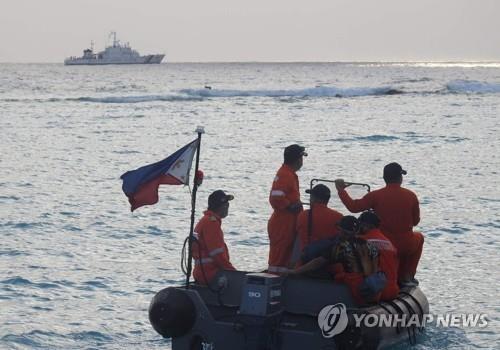 """필리핀 """"남중국해에서 중국 선박 떼 초계활동 계속"""""""