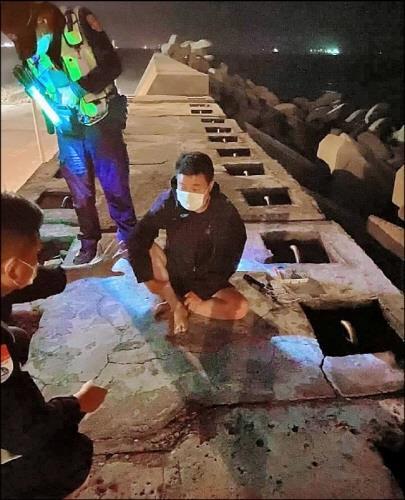양안 긴장 속 중국인 고무보트 밀입국에 대만 '발칵'