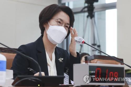 """임혜숙, 각종 논란에 """"부끄럽다""""…논문·당적 등 논란은 반박(종합)"""