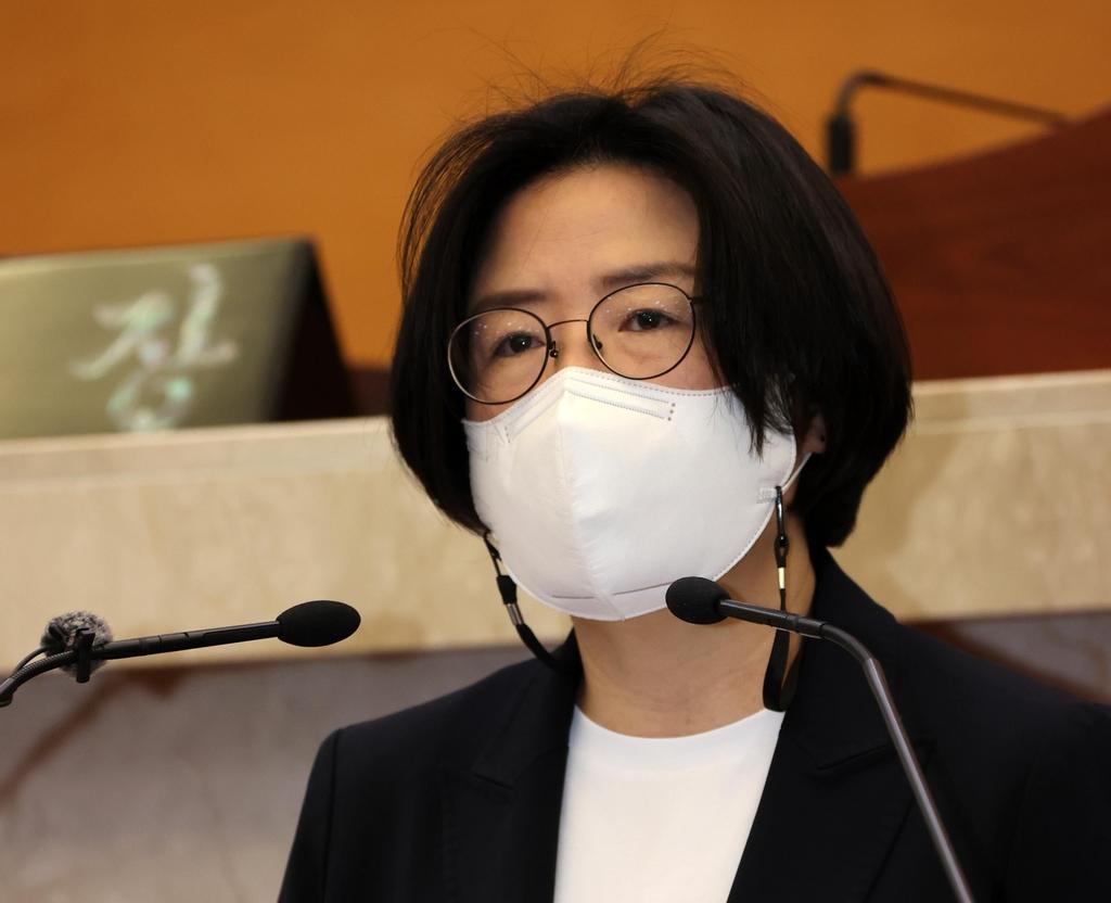 """박희정 포항시의원 """"서핑 편의시설 민간위탁 과정 불투명"""""""