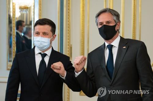 """백악관, 우크라 나토가입 여부에 """"조건 충족하면 문호 개방"""""""