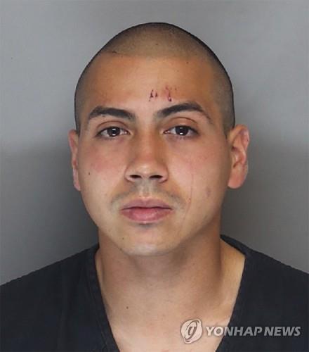 '향수병'에 무장탈영 미 훈련병, 스쿨버스 납치했다가 체포돼