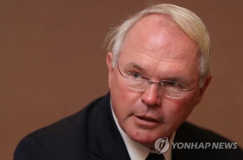 """힐 전 차관보 """"협상 전 대북제재완화 안돼…北성명 개의치 말라"""""""