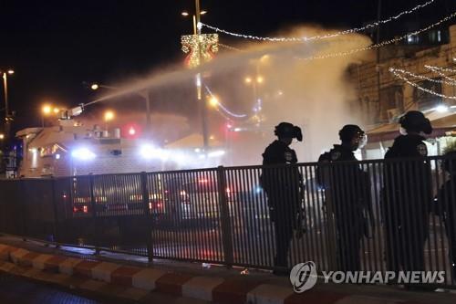 예루살렘서 이스라엘 경찰·팔레스타인 충돌로 160여명 부상