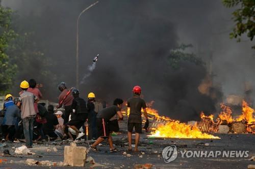 [미얀마 쿠데타 100일] ① 국제사회 무기력 속 무력충돌
