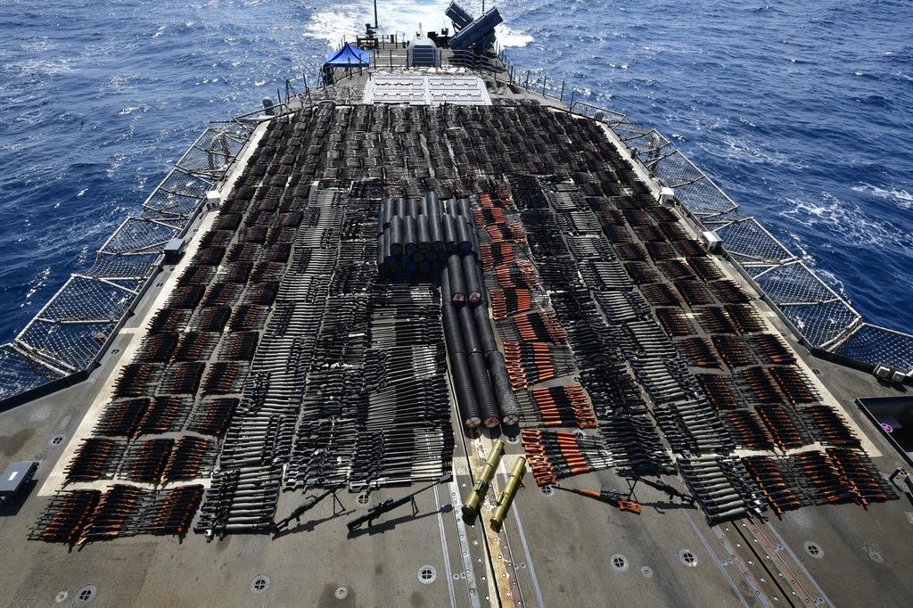 미국 해군, 아라비아해 항해 선박서 밀수 무기 수천정 압수