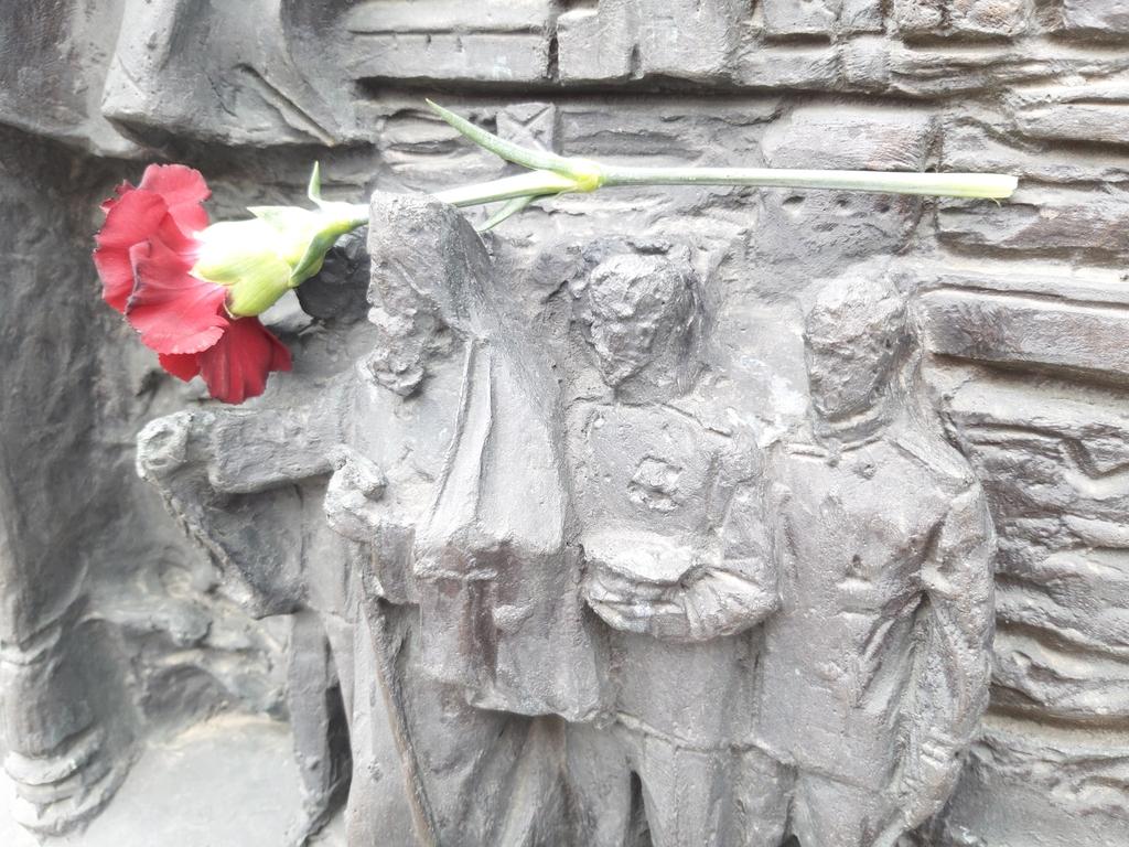 [에따블라디] '스승에 감사 전하는 꽃' 러시아선 슬픔의 상징