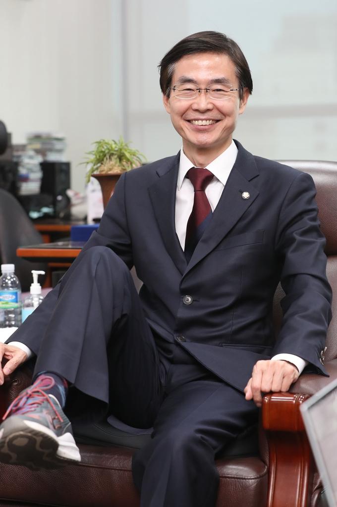 """[당대표 후보] ① 조경태 """"내가 청년정치 아이돌…운동화 신고 뛴다"""""""