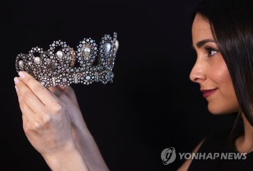 [사진톡톡] 이탈리아 왕실 티아라, 스위스 옥션서 18억원 낙찰
