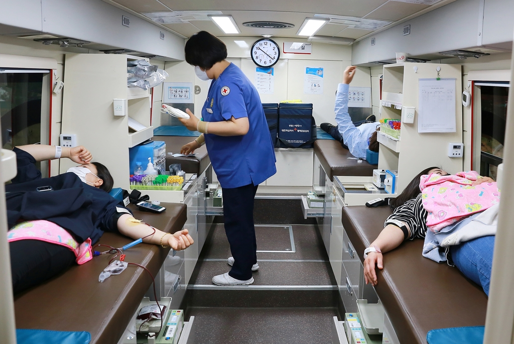 정선군 공무원, 백신 접종 후 투병 동료 돕기 헌혈운동