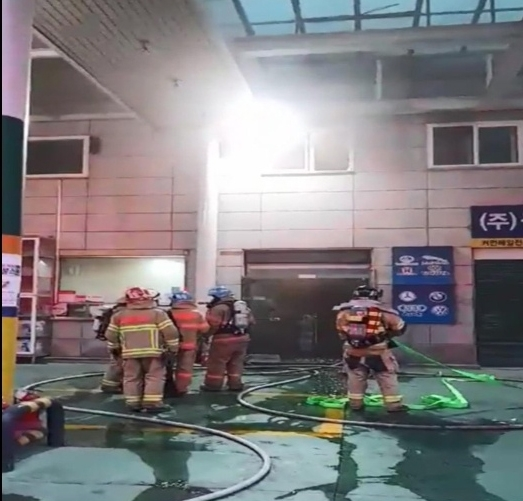 인천 주유소 숙소 건물서 불…40대 직원 숨진 채 발견