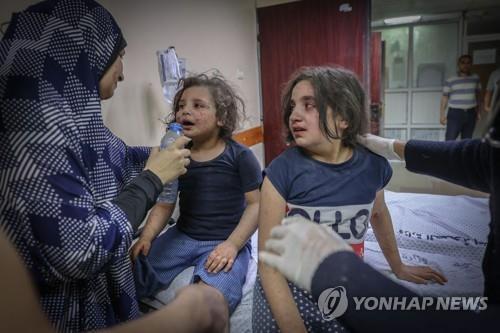 정보전에 낚이고 사무실 폭격까지…이-팔 충돌 취재 외신 수난