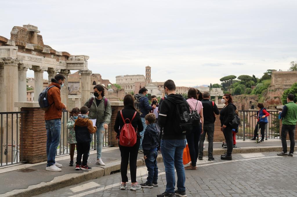 [사진톡톡] 외국인 관광객에 빗장 푼 이탈리아…첫날 로마 풍경