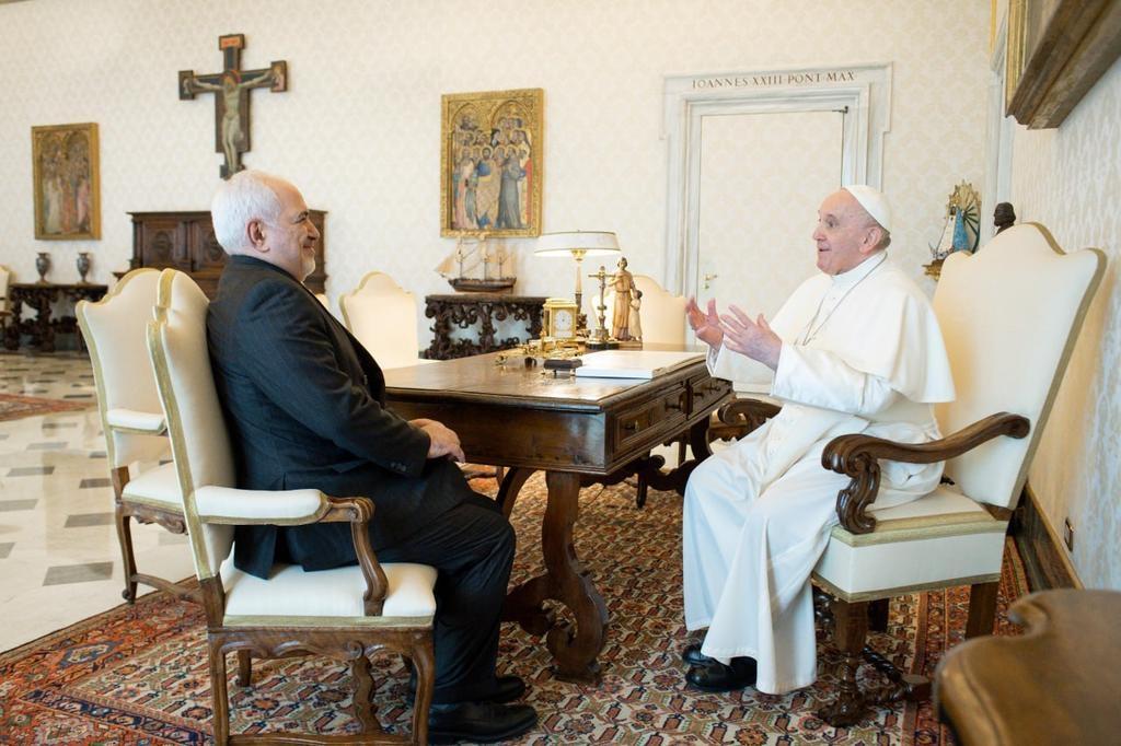 """이란 외무장관, 교황 만나 """"팔레스타인 통탄할 상황"""" 호소"""
