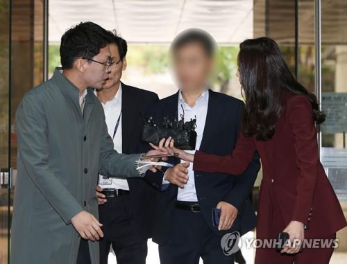 '버닝썬 경찰총장' 윤규근 오늘 2심 선고…1심 무죄