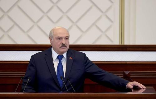 """벨라루스 대통령 """"'폭탄 설치' 여객기 비상착륙 전적으로 합당""""(종합)"""