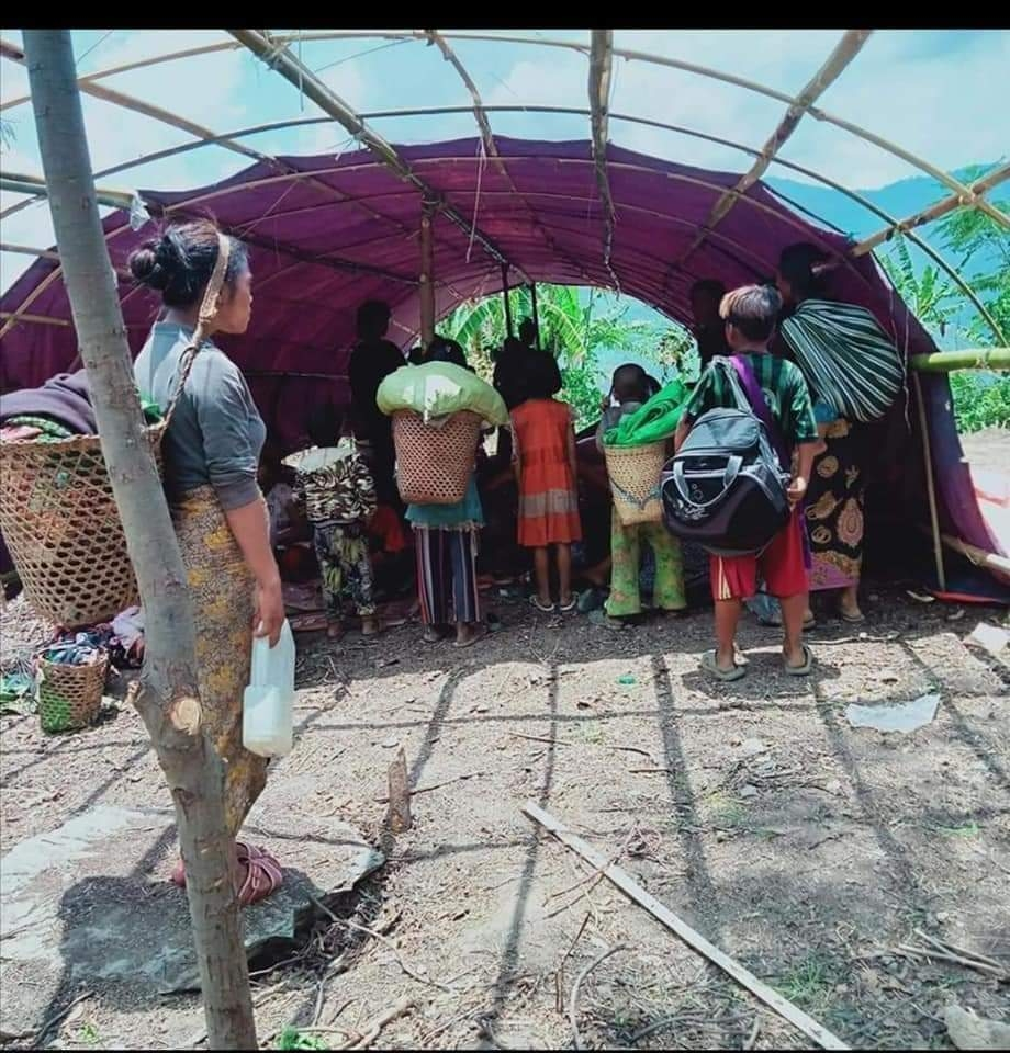 """[인터뷰] 미얀마 무장투쟁 목사 """"유혈 탄압에 사냥총 들고 싸워"""""""