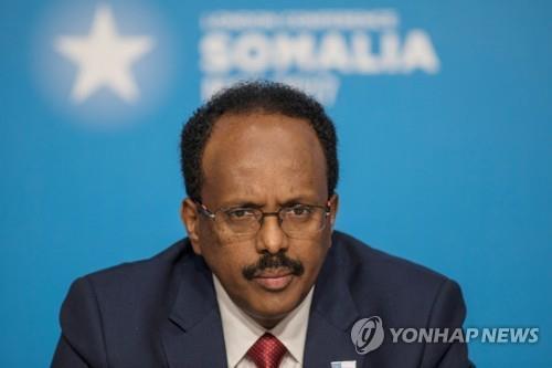 """소말리아 정부 """"60일 이내 대선 치르기로 합의문에 서명"""""""