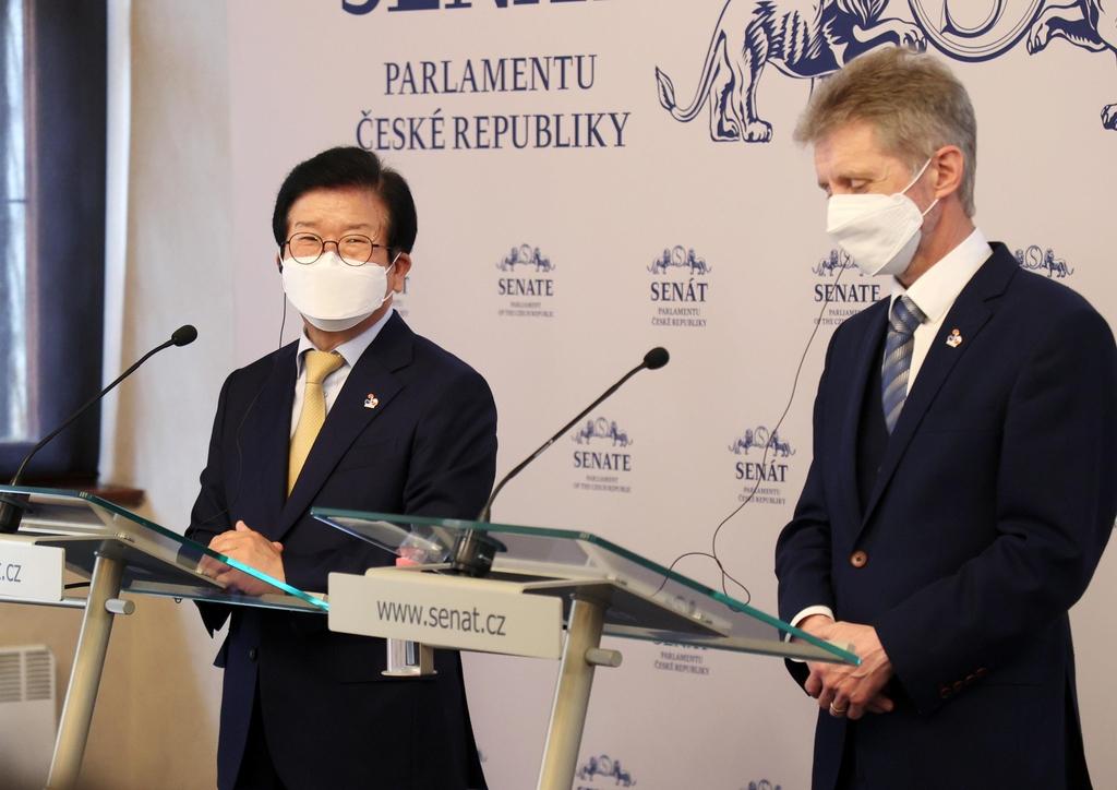 박의장, 체코 총리·상하원 의장 연쇄 회동…'원전 세일즈'