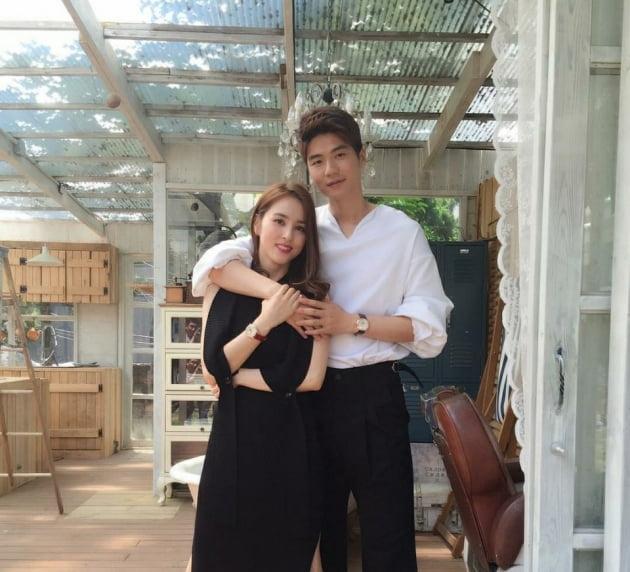 한혜진(왼쪽), 기성용 부부/ 사진= 한혜진 인스타그램