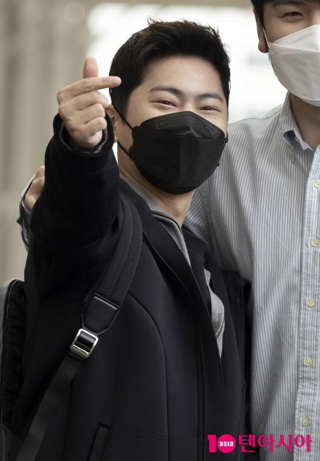 [TEN 포토] 라포엠 박기훈 '손하트의 유혹'