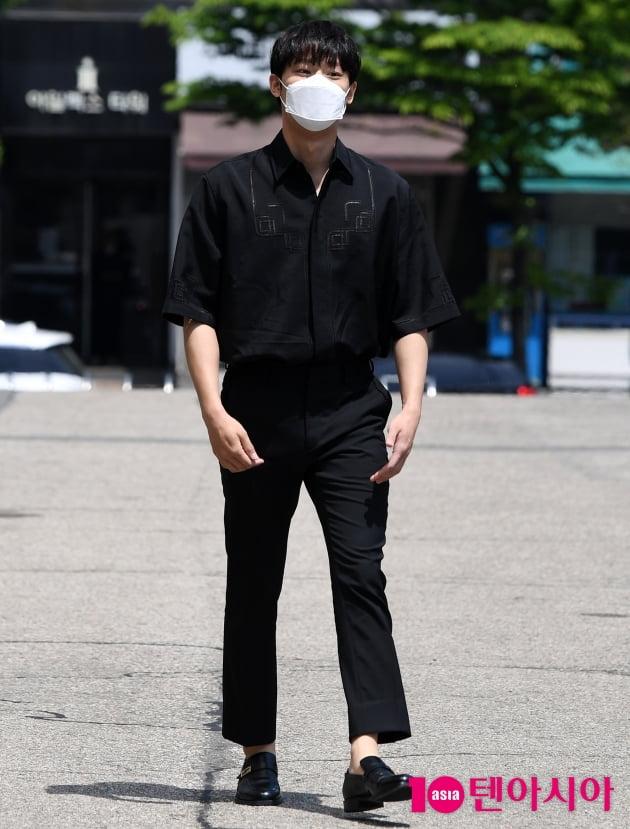 [TEN 포토] 이도현 '머리부터 발끝까지 시크한 블랙'