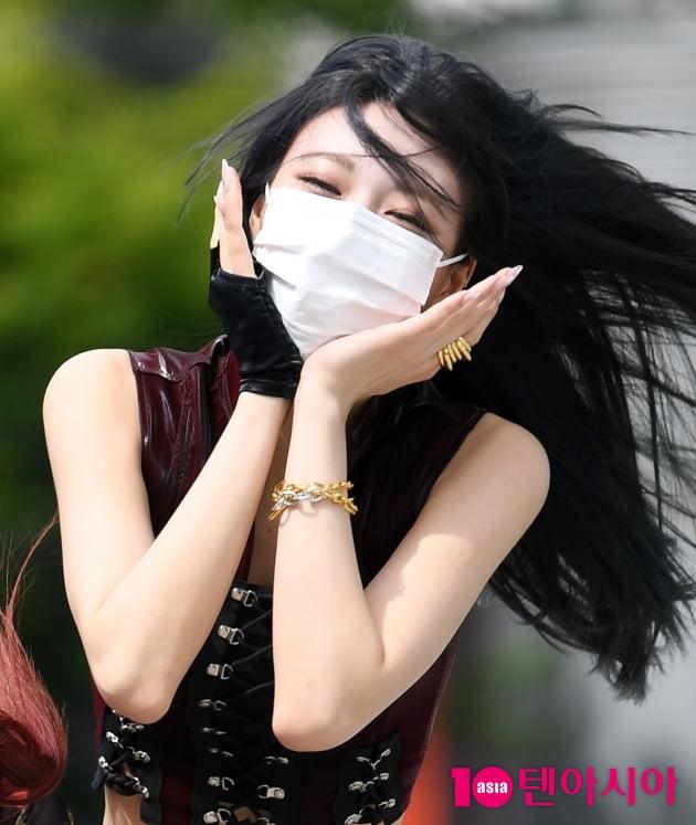 [TEN 포토] ITZY(있지) 유나 '바람도 질투하는 비주얼'