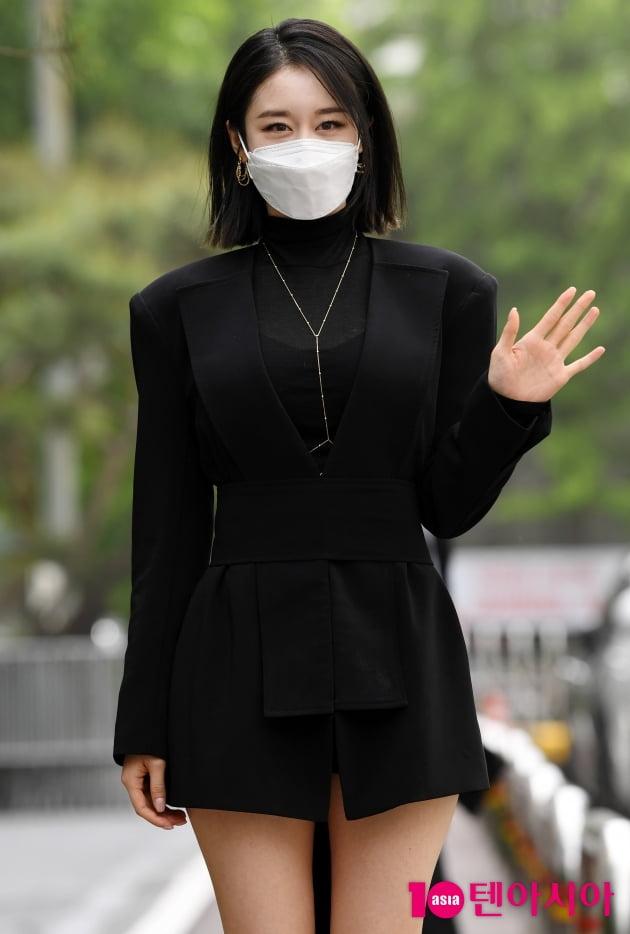 [TEN 포토] 박지연 '시원한 하의실종'