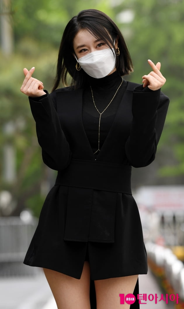 [TEN 포토] 박지연 '심쿵 하트'