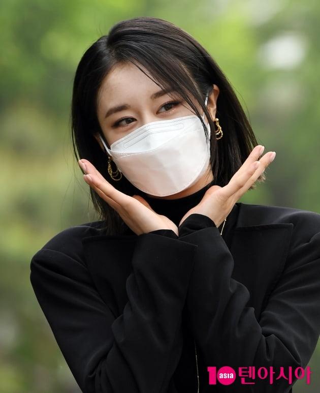 [TEN 포토] 박지연 '시크한 꽃이 피었습나다'