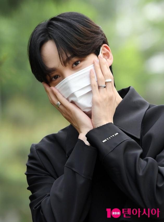 [TEN 포토] 에이티즈 윤호 '귀엽게'