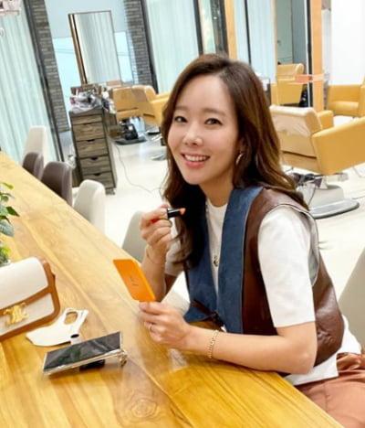 '백종원♥'소유진, 샵에서도 한결같은 미모 [TEN★]