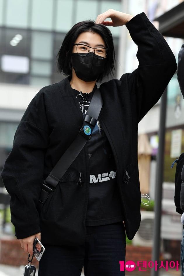 [TEN 포토] 새소년 황소윤 '하트 받아요'