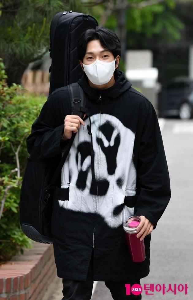 [TEN 포토] 김필 '출구없는 무한매력'