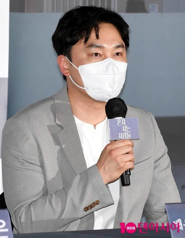 [TEN 포토] 서현우 '제목을 혼저 사는 우리들로... 바꾸고 싶다'