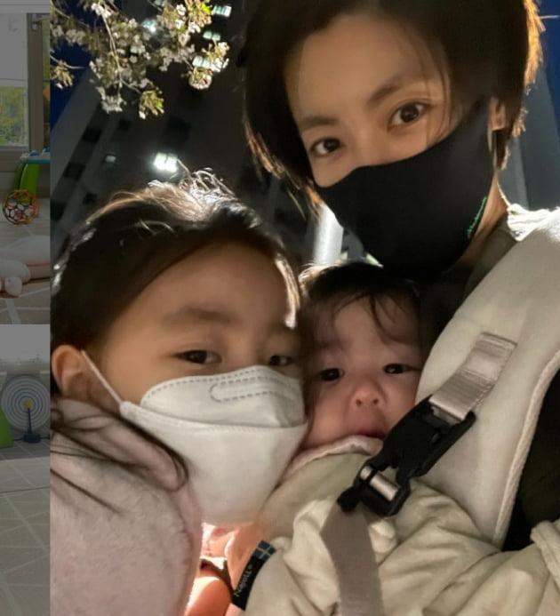 이윤지와 두 딸./ 사진=인스타그램
