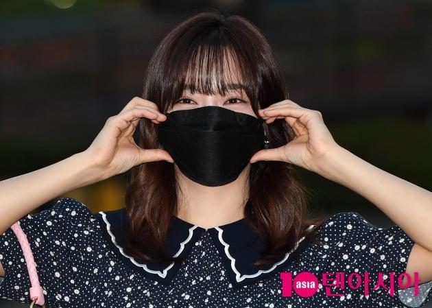 [TEN 포토] 김세정 '볼하트로 귀요미 업'