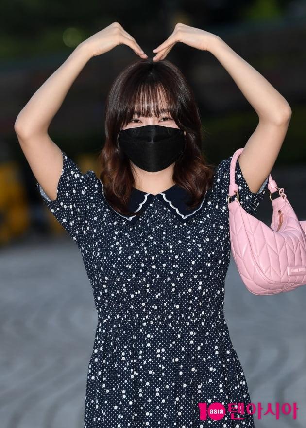 [TEN 포토] 김세정 '큰사랑이 필요합니다'