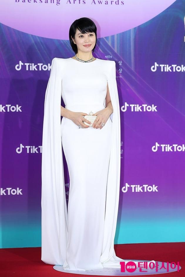 [TEN 포토] 김혜수 '레드카펫의 남다른 아우라'(백상예술대상)