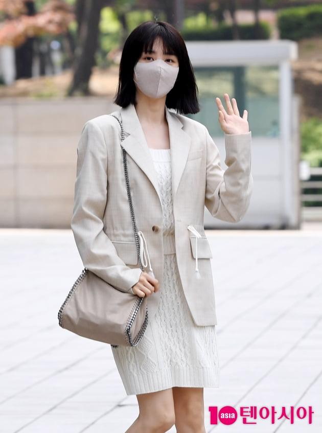 [TEN 포토] 박하선 '방송국을 밝히는 미모'