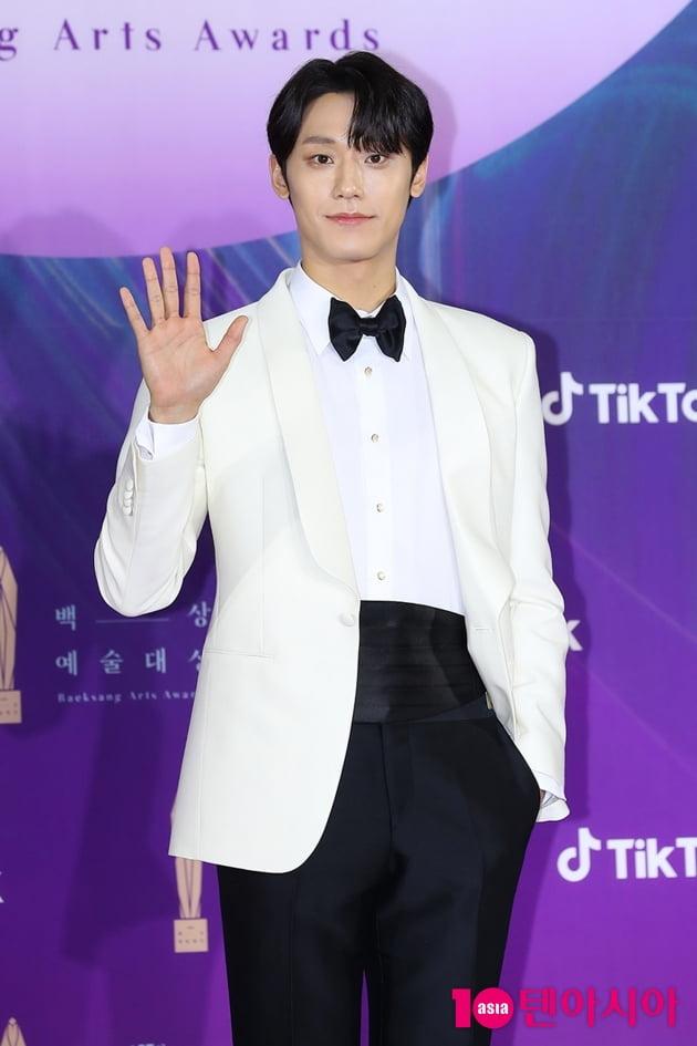 [TEN 포토+] '백상예술대상' 김수현-송강-유아인…베스트 드레서는?