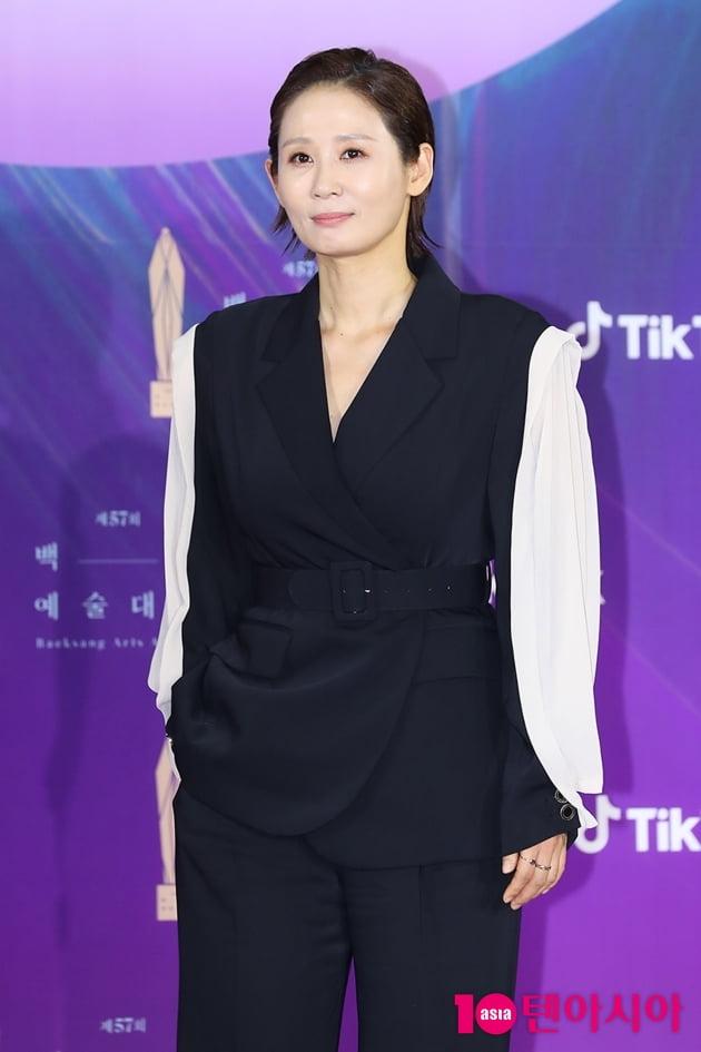 [TEN 포토] 김선영 '남다른 수트패션' (백상예술대상)