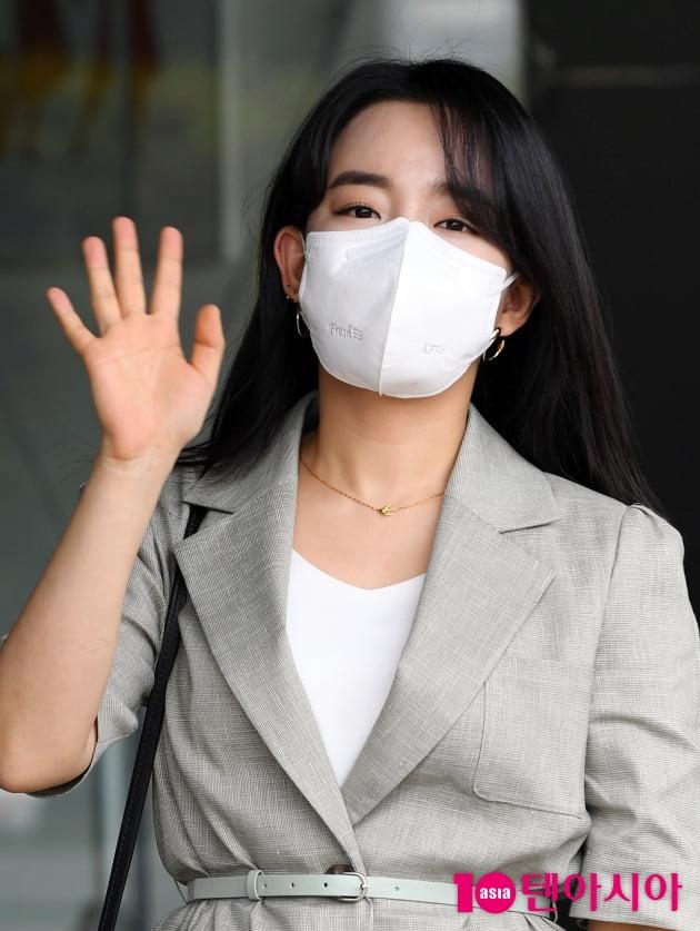 [TEN 포토] 윤하 '손바닥 보다 작은얼굴'