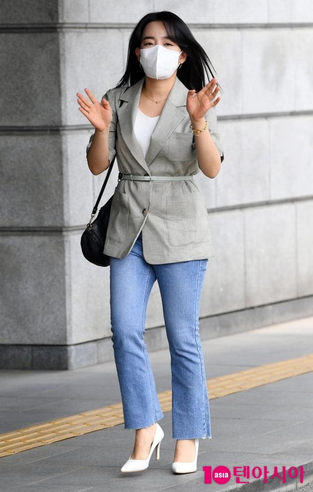 [TEN 포토] 윤하 '샤랄라 출근길'