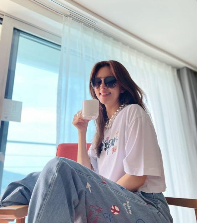 """'백도빈♥' 정시아, 엄마보단 '멋쟁이 막내 이모' 느낌 """"photo by 서우"""" [TEN★]"""
