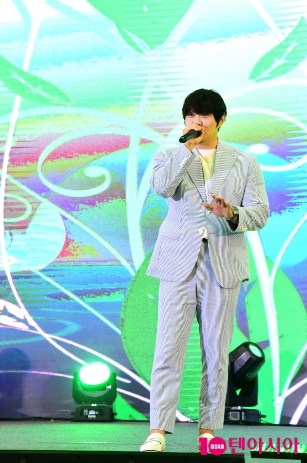 [TEN 포토] KCM '목소리가 잘생긴 남자'(서울장미축제)