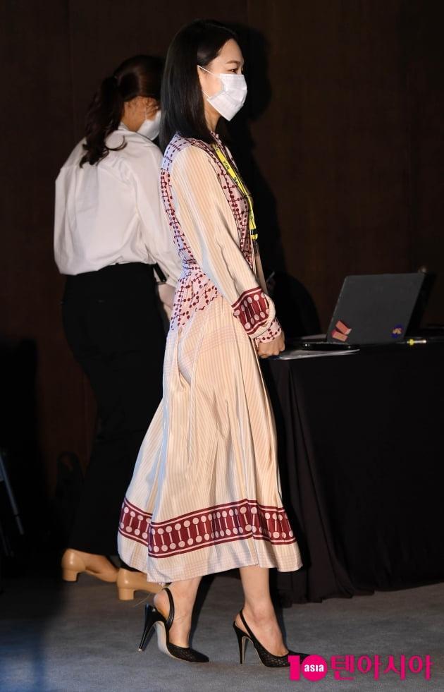 [TEN 포토] 한예리 '하늘하늘한 원피스 입고 입장'
