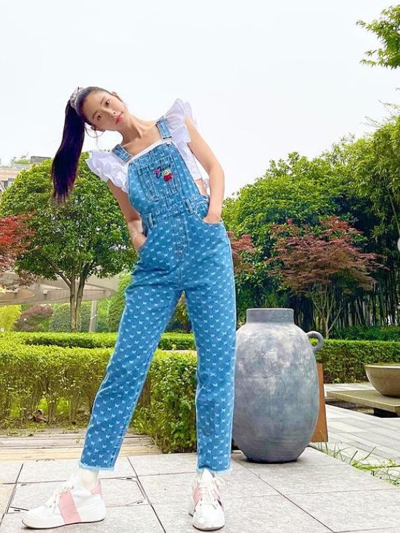 '37살' 클라라, 결혼 3년차에 '동안 미모' 갱신 [TEN★]